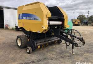 New Holland 2013   BR7060