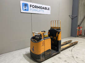 Crown GPC3000 Pallet Truck Forklift - picture1' - Click to enlarge