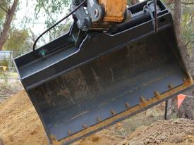 5 Tonne 1200mm Tilting Mud Bucket