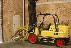 7 T Hyster (Space Saver) & Paper Roll Clamp