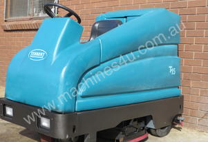 Tennant T 15 Ride On Scrubber Dryer USED