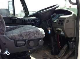 2007 NISSAN DIESEL MK(A/B)240  - picture1' - Click to enlarge