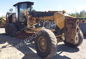Wrecking Caterpillar 12M Grader