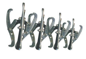 21120 - 4 PC 3 JAW GEAR PULLER SET