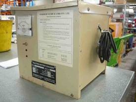 STANBURY 24VOLT FORKLIFT BATTERY CHARGER - picture2' - Click to enlarge