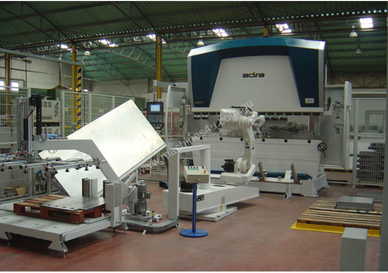 Press Brake with Robotic Bending Cells