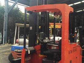 ALL DIRECTIONAL BT ELECTRIC REACH TRUCK 7.5M LIFT - picture0' - Click to enlarge