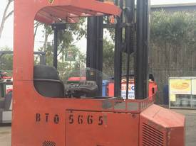 ALL DIRECTIONAL BT ELECTRIC REACH TRUCK 7.5M LIFT - picture4' - Click to enlarge