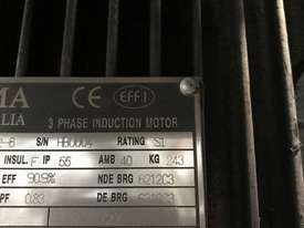 22 kw 30 hp 6 pole 415 v AC Electric Motor - picture3' - Click to enlarge