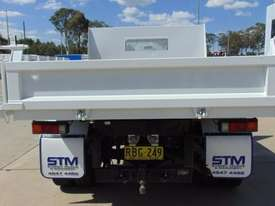 Mitsubishi Canter 715 Tipper Truck - picture3' - Click to enlarge