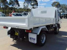 Mitsubishi Canter 715 Tipper Truck - picture4' - Click to enlarge