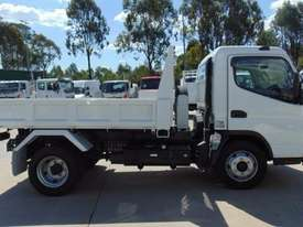 Mitsubishi Canter 715 Tipper Truck - picture5' - Click to enlarge