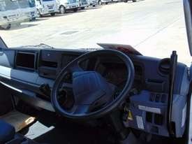 Mitsubishi Canter 715 Tipper Truck - picture12' - Click to enlarge