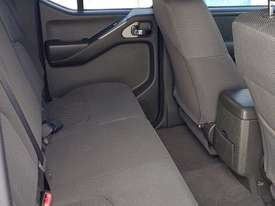 Nissan Navara, immaculate condition. - picture17' - Click to enlarge