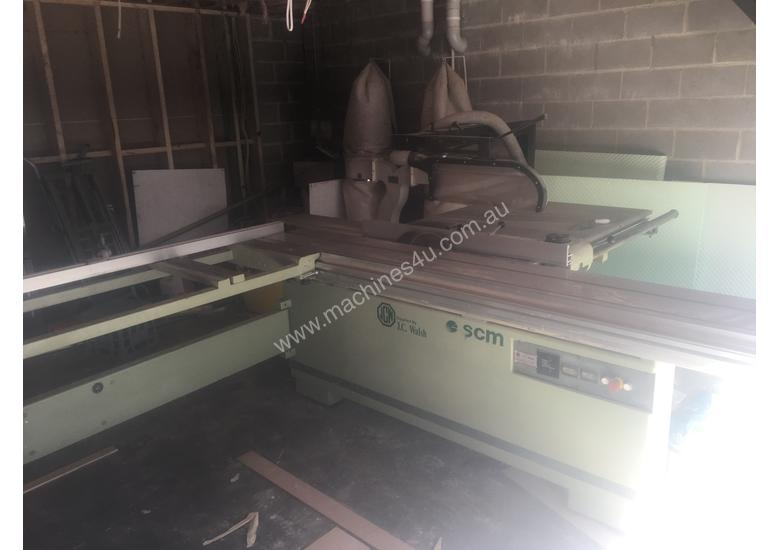 Reliable Italian sliding table saw