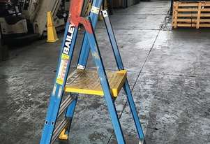 Bailey Platform Ladder Fiberglass 3ft Safety Step Ladders