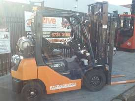 TOYOTA 8FG20 FORKLIFT 2011 MODEL LOW HRS 3.7m Lift - picture0' - Click to enlarge
