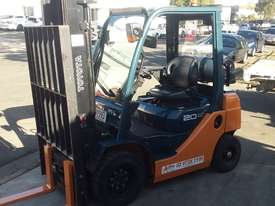 TOYOTA 8FG20 FORKLIFT 2011 MODEL LOW HRS 3.7m Lift - picture2' - Click to enlarge