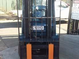 TOYOTA 8FG20 FORKLIFT 2011 MODEL LOW HRS 3.7m Lift - picture3' - Click to enlarge