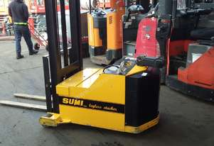 Sumi Legless Stacker 4000mm Lift 1000 KG 2000 Model