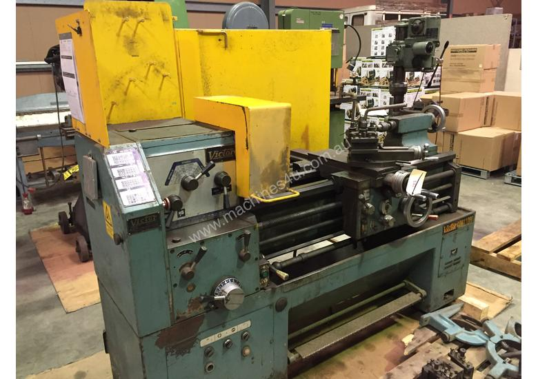 Used Victor Centre Lathe 400x1000