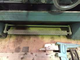 Used Victor Centre Lathe 400x1000 - picture5' - Click to enlarge