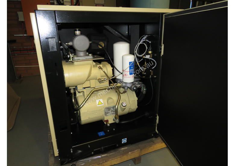 Ingersoll Rand UP5E-18TAS-10 92cfm 18kW Air Compressor & Integrated Refrigerated Dryer