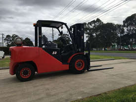 5 Ton Dual Fuel Forklift For Sale  - picture0' - Click to enlarge