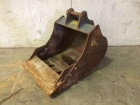 450MM TOOTHED BUCKET WITH SAND BLADE SUIT 1-2T EXCAVATOR D991 - picture2' - Click to enlarge