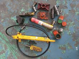 Enerpac Hydraulic Porta Power Kit Hand Pump Ram & Spreader, Industrial Quality Tools - picture0' - Click to enlarge