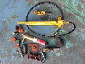 Enerpac Hydraulic Porta Power Kit Hand Pump Ram & Spreader, Industrial Quality Tools - picture1' - Click to enlarge