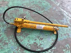 Enerpac Hydraulic Porta Power Kit Hand Pump Ram & Spreader, Industrial Quality Tools - picture2' - Click to enlarge