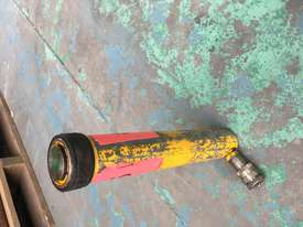Enerpac Hydraulic Porta Power Kit Hand Pump Ram & Spreader, Industrial Quality Tools - picture3' - Click to enlarge