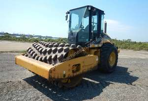 CAT CP563E Single Drum Vibrating Padfoot Roller