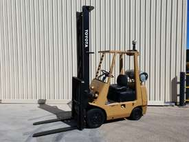 Toyota 2.5 tonne Forklift LPG 5m lift height Orange Location  - picture0' - Click to enlarge