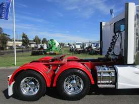 Kenworth T403  Primemover Truck - picture7' - Click to enlarge