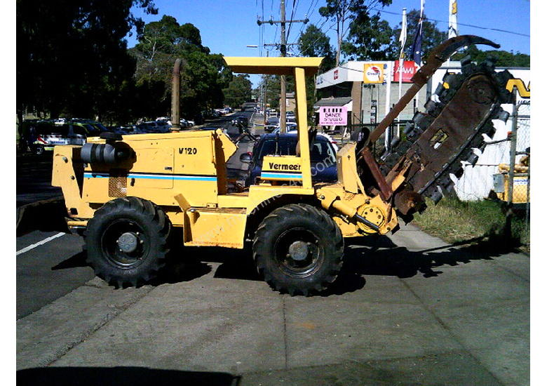 V120 vermeer trencher 1500 hrs , New chain and teeth fitted