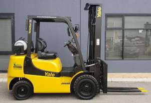 Yale 2500kg LPG forklift with 5500mm three stage mast, sideshift and fork positioner