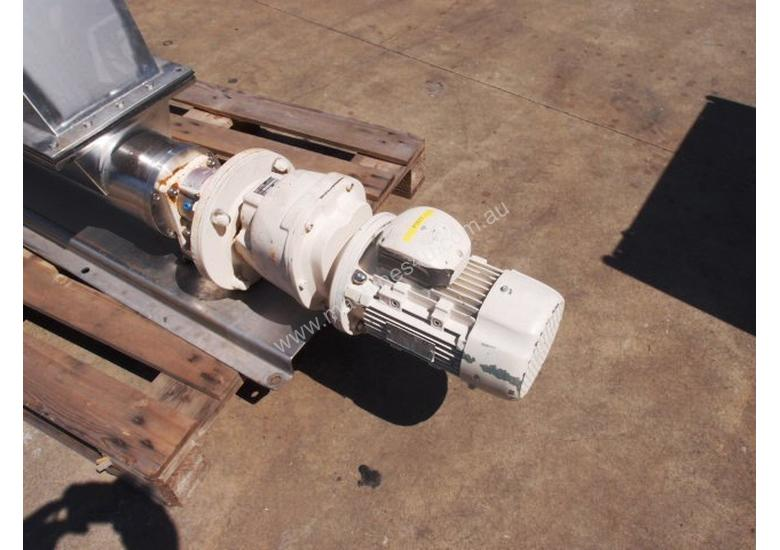 Open Throat Helical Rotor Pump, IN: 550mm L x 230mm W, OUT: 75mm Dia