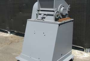 Industrial Heavy Duty 25HP Plastic Granulator - Handel