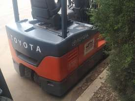 Toyota electric forklift 7FBE18 7FBE20 - picture3' - Click to enlarge