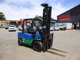 Mitsubishi FG35AT 3.5 Tonne LPG Forklift - picture0' - Click to enlarge