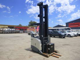 Crown 5700 Series 1.3 Tonne Electric Forklift with Charger - picture1' - Click to enlarge