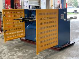 1270mm x 3.5mm English Designed True-Cut Guillotine - picture3' - Click to enlarge