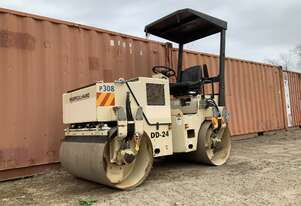 Ingersoll-Rand DD24 Smooth Drum Vibrating Roller