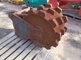 Jaws Compaction Wheels for Hire 8 to 60 Ton - picture3' - Click to enlarge