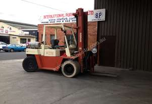 Nissan   5 TONNE  LPGAS POWERED