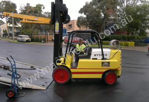 7 T Hyster S150A (Space Saver) & Telescopic Jib