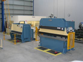 EPIC Hydraulic / Mechanical or Full Synchro Press Brake - picture1' - Click to enlarge