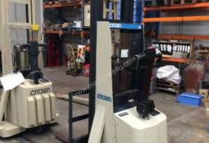 CROWN 20IMT130A Walkie Straddle Forklift